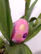 Jajko ze styropianu malowane farbami plakatowymi